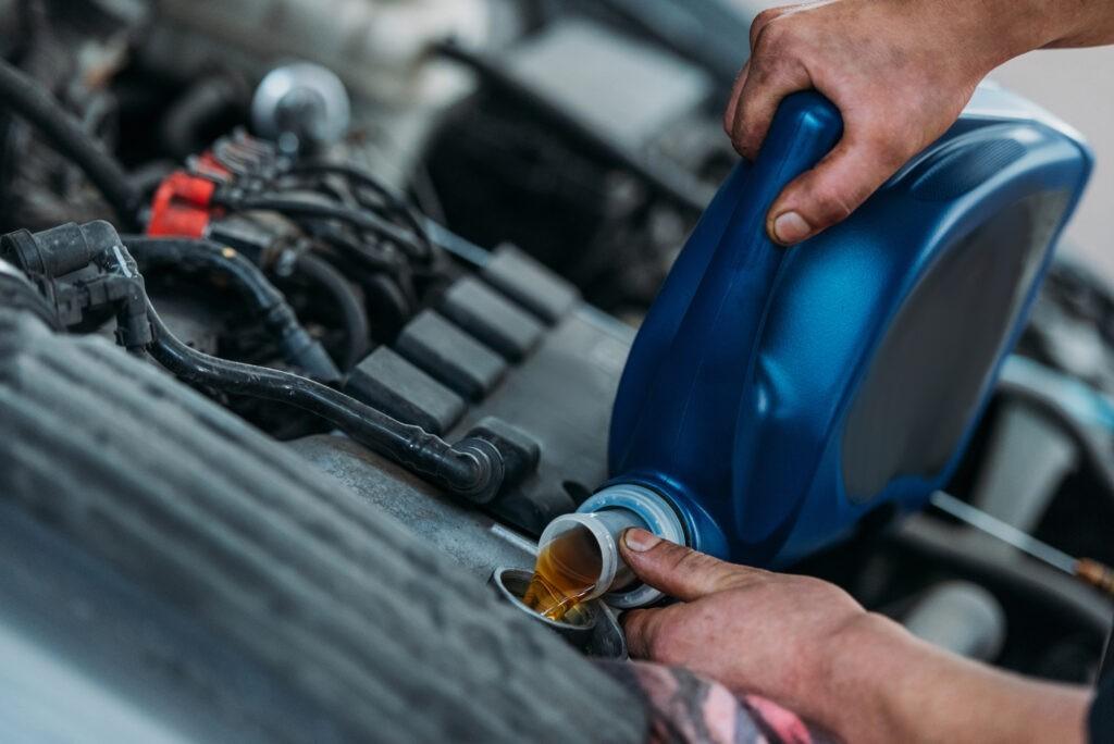 Замена масла и технических жидкостей авто Киев Лесная
